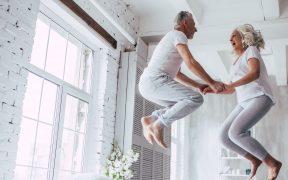 photo vieux couple amoureux